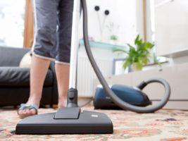 observe-como-limpar-seus-tapetes-satisfatoriamente